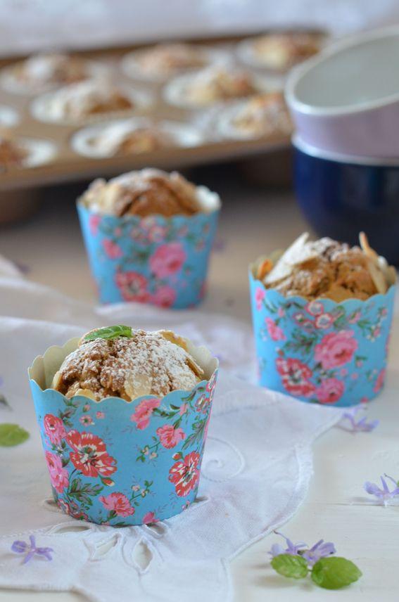 Muffin leggeri alle carote senza burro con mandorle