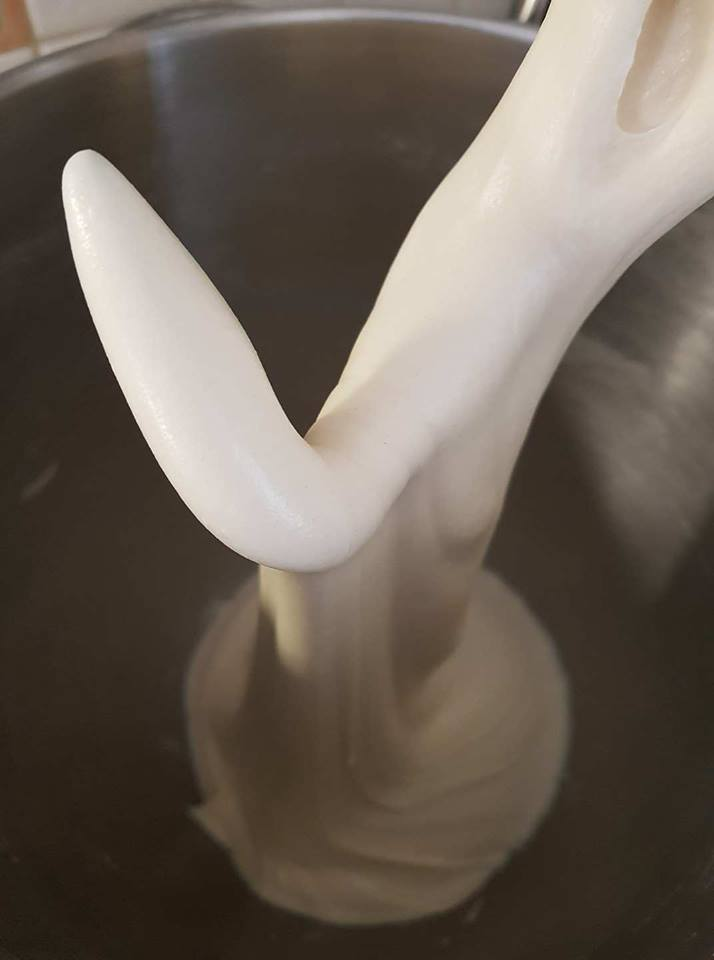 Maritozzi baresi o treccine lievitate con lo zucchero