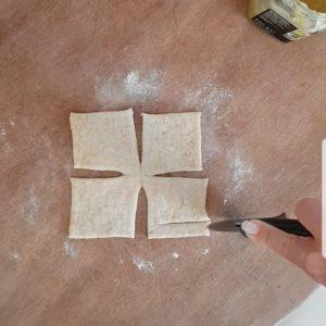 Brioche soffici con marmellata al limone ed intreccio a griglia