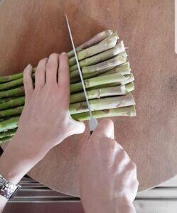 Trofie con asparagi olive taggiasche pomodorini e ricotta marzotica