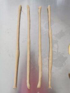 Brioche dolce con 4 capi intrecciati a panetto senza burro
