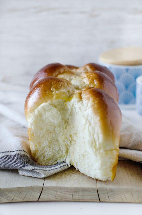 Pan brioche soffice senza burro con yogurt bianco e acqua