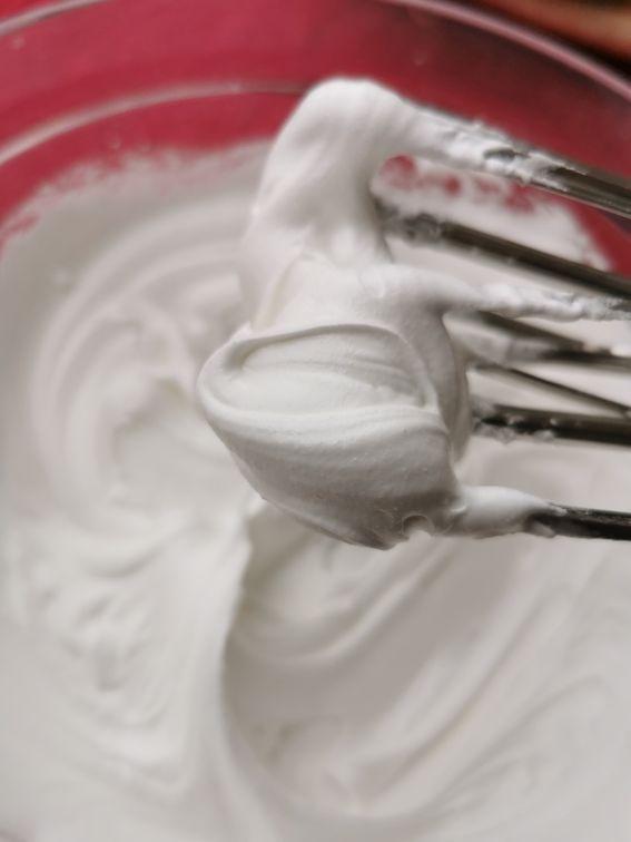 Centrotavola realizzato con pasta frolla e ghiaccia reale (ghirlanda)