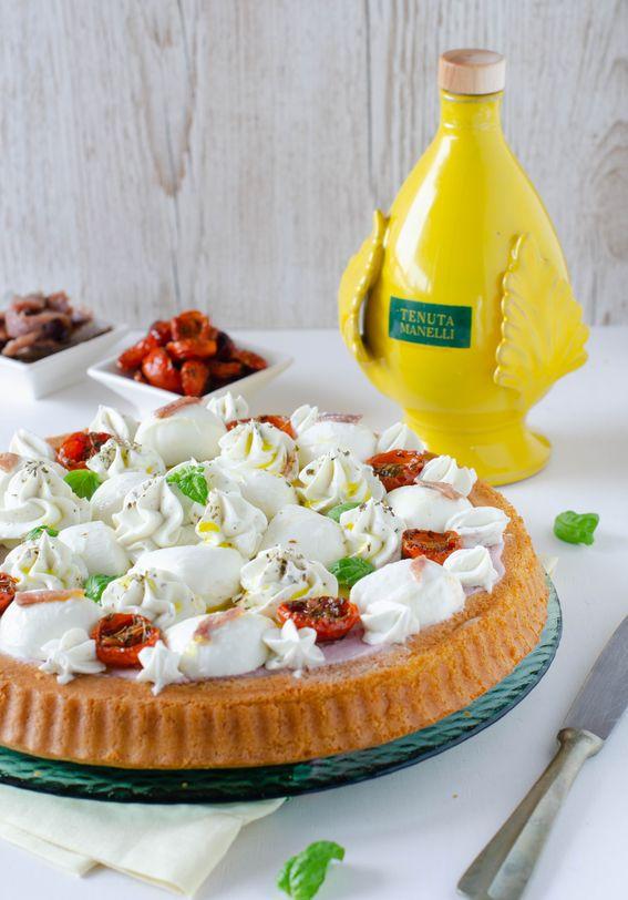 Crostata morbida salata con crema di cavolo viola ricotta e alici