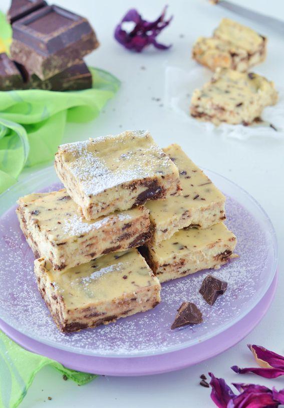 Quadrotti di ricotta con gocce di cioccolato senza farina