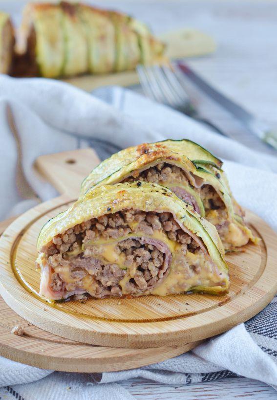 Rotolo di zucchine ripieno di carne macinata e formaggio filante