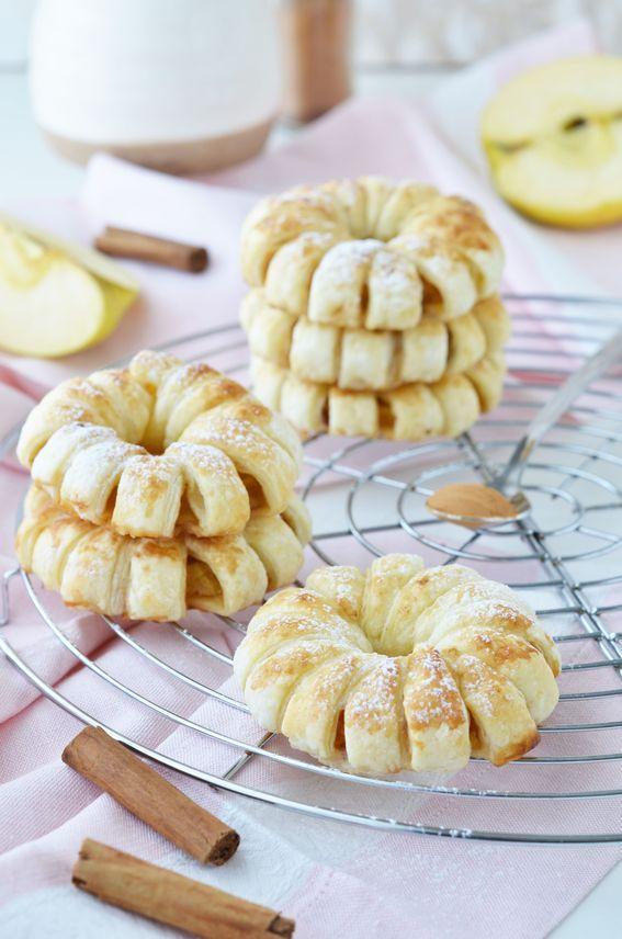 Ciambelle di mele e cannella con pasta sfoglia